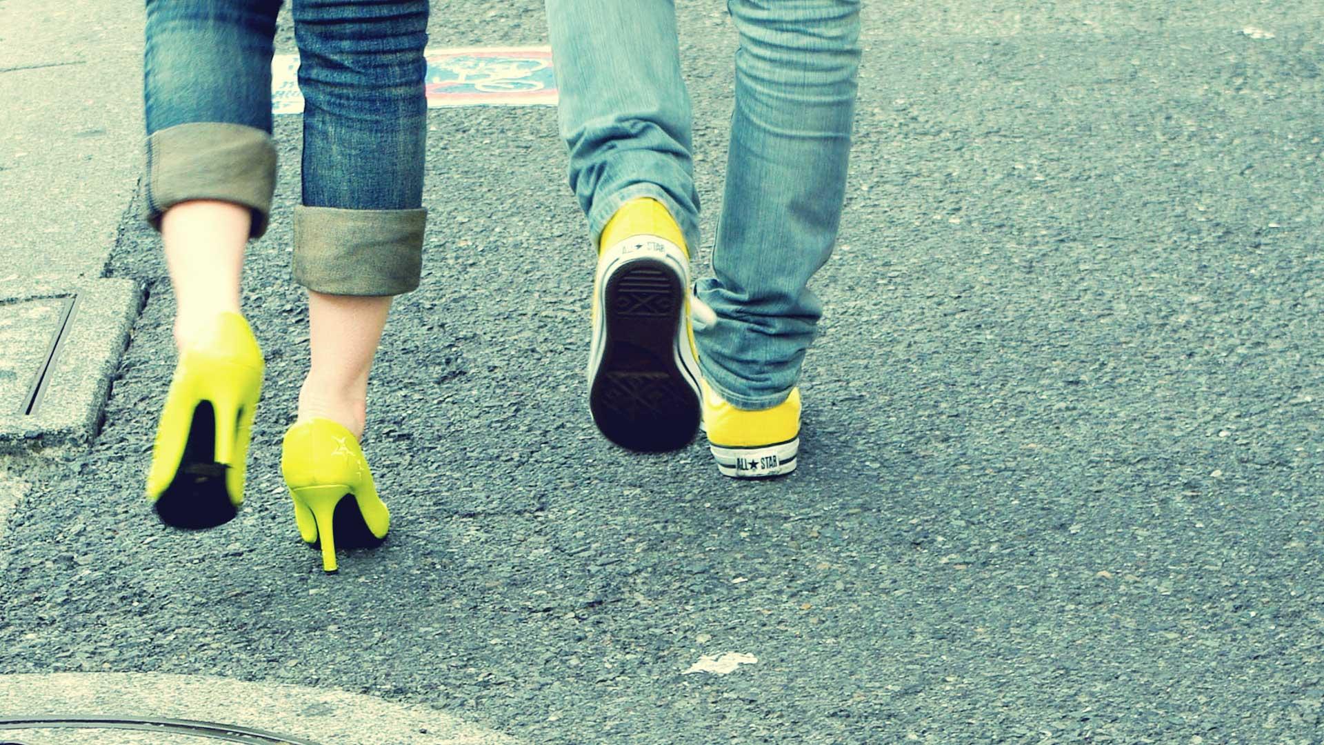 イエローの靴